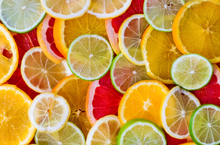 Citrus consumption has been linked to increased risk of malignant melanoma in two cohorts of women a