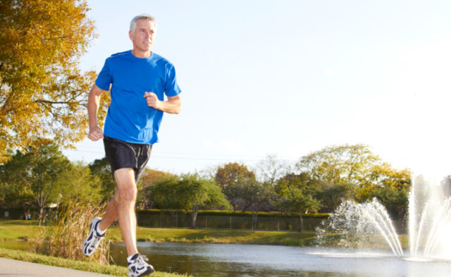 Fit middle-aged men appear less likely to develop lung and colorectal cancer in later life than thei