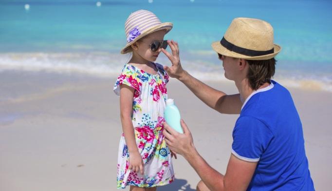 Teen Sunburns Up Melanoma Risk