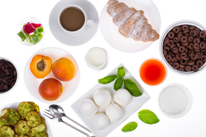 Data suggest that a low-fat diet with an increase in vegetable and fruit intake may lower the risk o